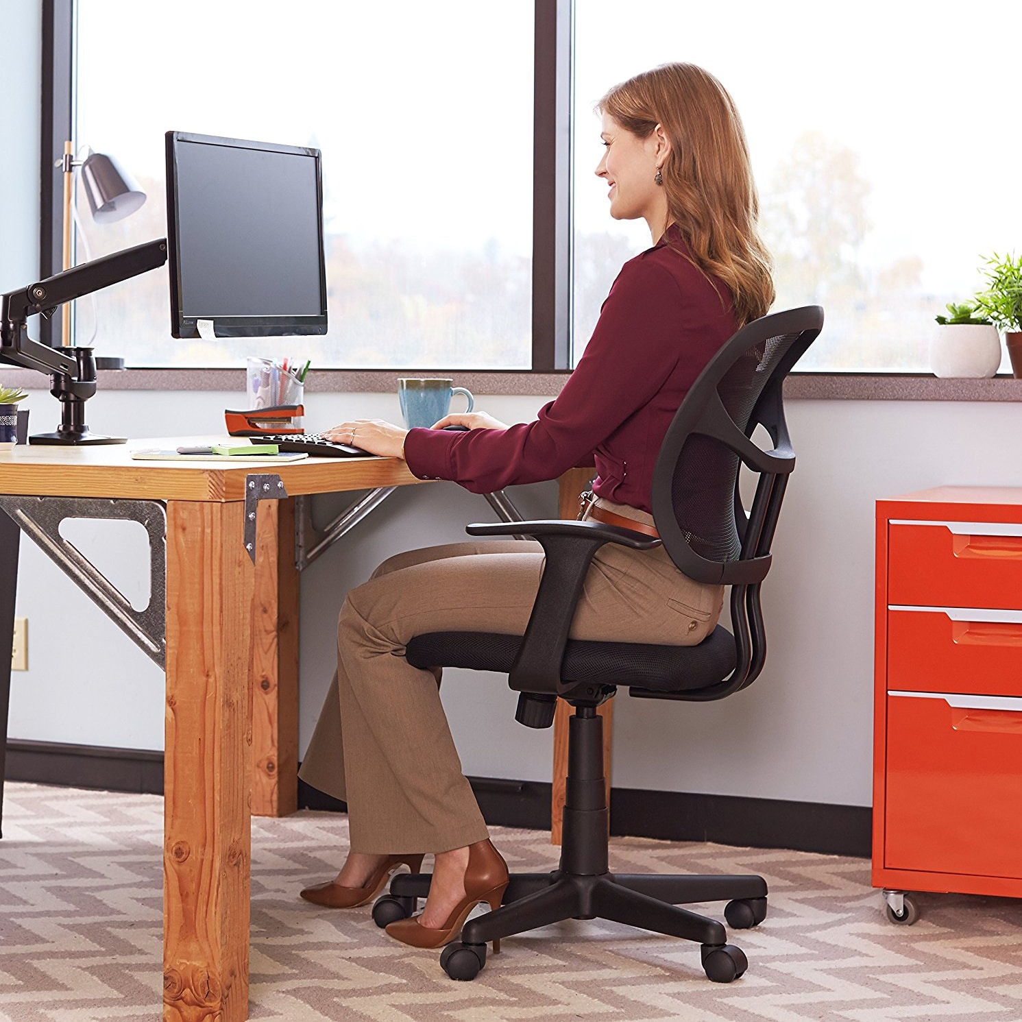 Top 10 Best Standing Desk Chairs In 2020 Reviews